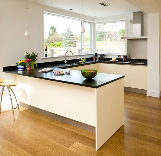 Small But Striking U Shaped Kitchen: Different Types Of Kitchen Layouts
