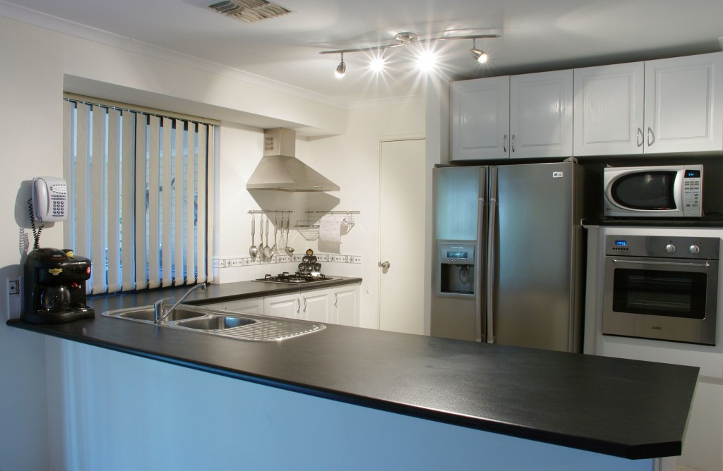 Modern_kitchen_gnangarra