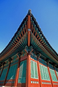 Painted_Eaves_at_Changdeok_Palace