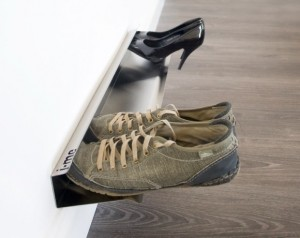 horizontal_shoe_rack_700mm_insitu